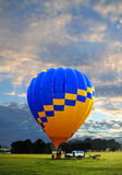 Vuelo del globo de la madrugada Fotos de archivo