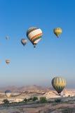Vuelo del globo del aire caliente sobre Cappadocia Foto de archivo
