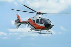 Vuelo del helicóptero Foto de archivo