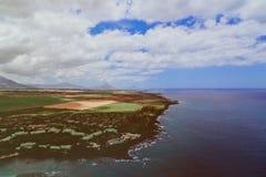 Vuelo del helicóptero sobre la isla Mauricio Foto de archivo