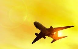 Vuelo del jet Fotos de archivo libres de regalías