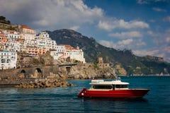 Vuelo del p?jaro - 1 Amalfi Campania Italia fotos de archivo libres de regalías