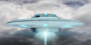 Vuelo del UFO del vintage en la representación del cielo nublado 3D Imágenes de archivo libres de regalías