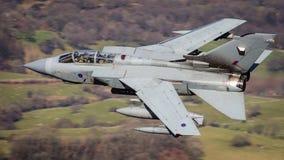 Vuelo rápido del avión de combate Fotografía de archivo libre de regalías