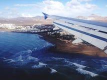Vuelo sobre Lanzarote foto de archivo libre de regalías