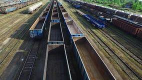Vuelo sobre los trenes almacen de video