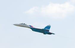Vuelo SU-27 fotos de archivo