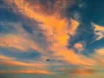 Vuelo y luna Fotografía de archivo