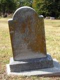 Vuelta de la piedra sepulcral del siglo Imagenes de archivo
