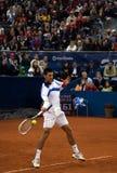 Vuelta del jugador N.Djokovic un ball-2 Imagenes de archivo