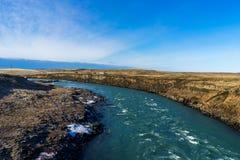 Vuelta del río en llanos islandeses Fotografía de archivo