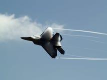 Vuelta rápida F-22 Imágenes de archivo libres de regalías