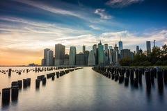 Vues étonnantes de lever de soleil pour abaisser Manhattan Photographie stock libre de droits