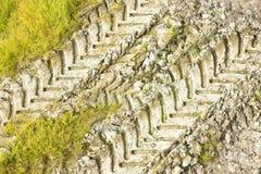 Vues d'empreintes de pas de tracteur d'en haut Image libre de droits
