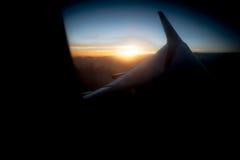 Vues dans un avion un beau jour au coucher du soleil photos libres de droits
