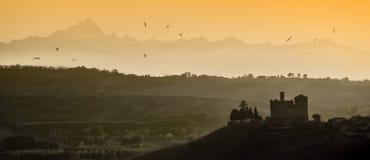 Vues de coucher du soleil dans l'héritage de l'UNESCO de Langhe photo stock