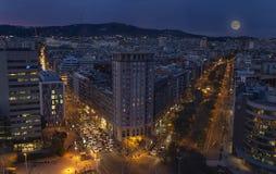Vues de coucher du soleil de mon hôtel à Barcelone image stock