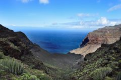 Vues de détente des montagnes et de l'océan vues de détente des montagnes et de l'océan Image stock