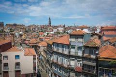 Vues de la rivière Douro et des bâtiments de Porto photo stock