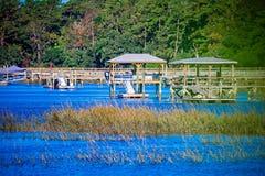 Vues de voie d'eau et de marais sur l'île la Caroline du Sud de johns photo stock