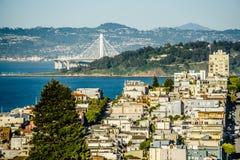 Vues de voisinages et de rue de ville de San Francisco le jour ensoleillé photo libre de droits