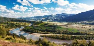 Vues des montagnes carpathiennes Photo libre de droits