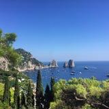 Vues du Faraglioni Capri, Italie Photographie stock libre de droits