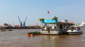 Vues du port de Saigon Le port de Saigon est un réseau des ports en Ho Chi Minh City Photo libre de droits