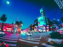 Vues gentilles de nuit de ville en Californie photographie stock libre de droits