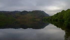 Vues le long de Llyn Dinas pr?s de Beddgelert, Watles photos libres de droits