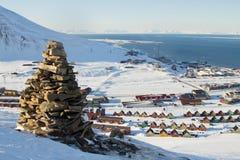 Vues panoramiques de Longyearbyen, le Spitzberg (le Svalbard)  Photographie stock libre de droits