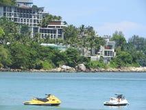 Vues pittoresques de la mer et de la plage à Phuket, Thaïlande un temps clair image stock