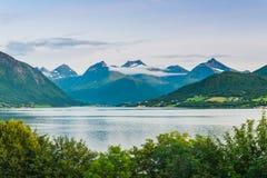 Vues renversantes du fjord Le comté de plus d'og Romsdal norway Photos libres de droits
