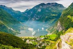 Vues renversantes du Geirangerfjord Le comté de plus d'og Romsdal norway Photographie stock libre de droits