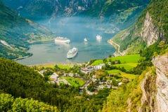 Vues renversantes du Geirangerfjord Le comté de plus d'og Romsdal norway Photos libres de droits