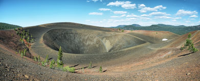 Vues rewarding de peu de lacs de vallée Photographie stock libre de droits