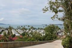 Vues scéniques des paysages avec les éléments architecturaux en Koh Samui Image stock