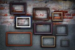 Vues sur le mur antique criqué Photographie stock