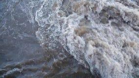 Vuil borrelend water 001 stock footage