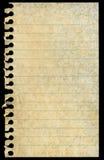 Vuile bevlekte lege gescheurde geïsoleerdet schrijfpapierpagina Stock Foto's