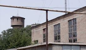 Vuile gebroken Tchernobyl verlaten lege gebouwen, stock foto's