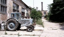 Vuile gebroken Tchernobyl verlaten lege gebouwen, stock afbeelding