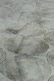 Vuile kabelsteel op concrete vloer Stock Foto's