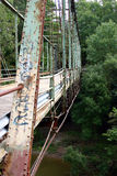 Vuile roestige brug Stock Afbeeldingen