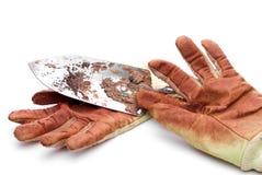 Vuile versleten het tuinieren handschoenen Stock Afbeelding