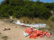 Vuilnis en verlaten gevaarlijk afval Stock Foto