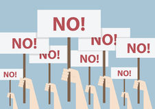 Vuist en aanplakbiljet, Protestconcept Stock Fotografie