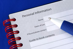 Vul de persoonlijke informatie in stock fotografie