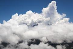 Vulcão acima das nuvens Imagens de Stock