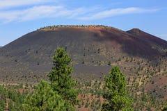 Vulcão da cratera do por do sol imagens de stock